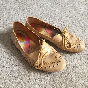 Born yellow leather lace up flats